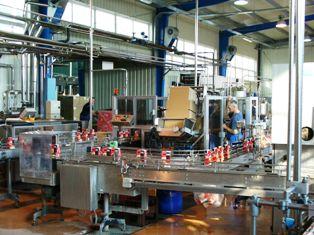 Linia do rozlewu w opakowania kartonowe – COMBIBLOC - Industrio Service